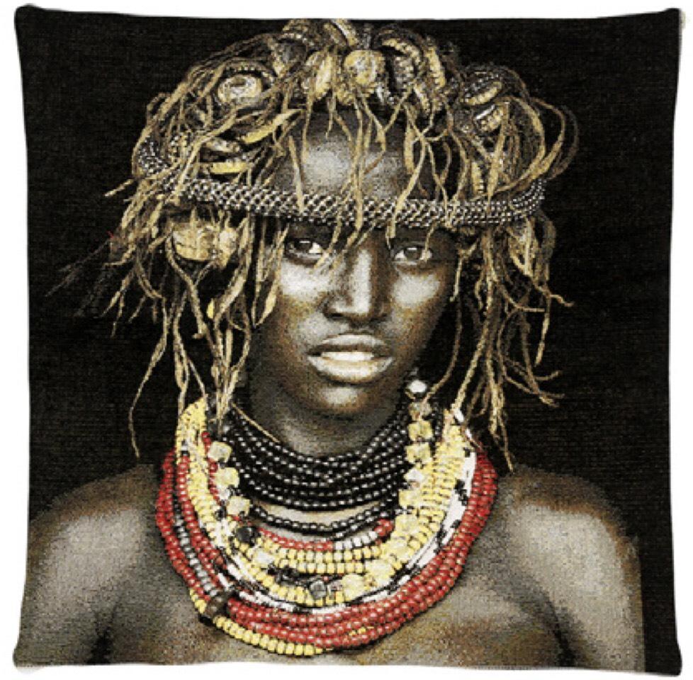 coussin dassenech girl fs home collection site fran ais de vente d 39 objets. Black Bedroom Furniture Sets. Home Design Ideas