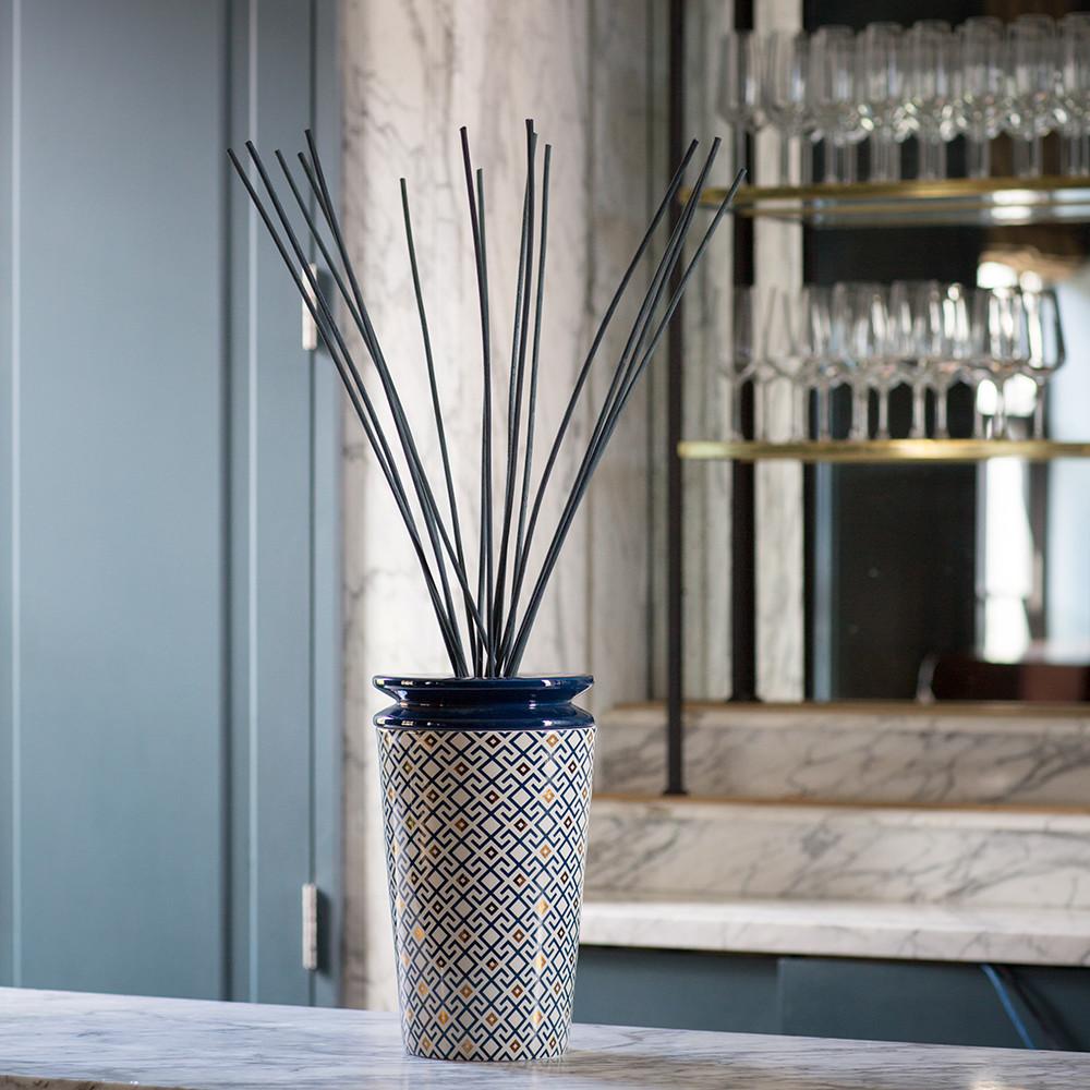 diffuseur d 39 ambiance ilum arabesque de figue max. Black Bedroom Furniture Sets. Home Design Ideas